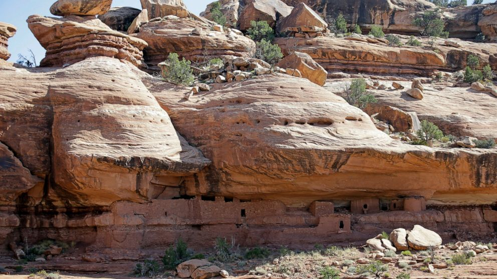 Trump administration moves ahead on shrinking Utah monuments