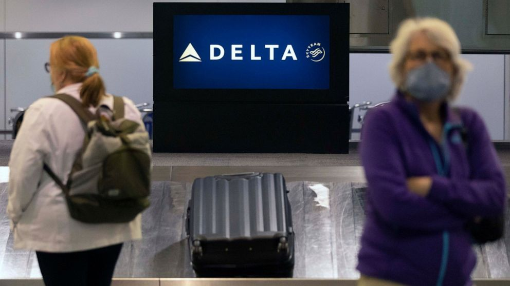 Delta posts $1.2 billion Q3 profit, touts holiday bookings
