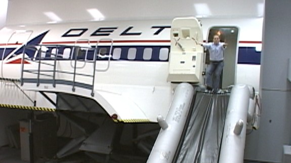Video: Flight attendant school at Delta.