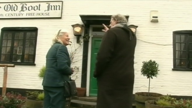 VIDEO: Tourists flock to see Kate Middletons local church and favorite pub.