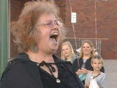 VIDEO: Participants in Nebraska gather for Halloween screaming contest.