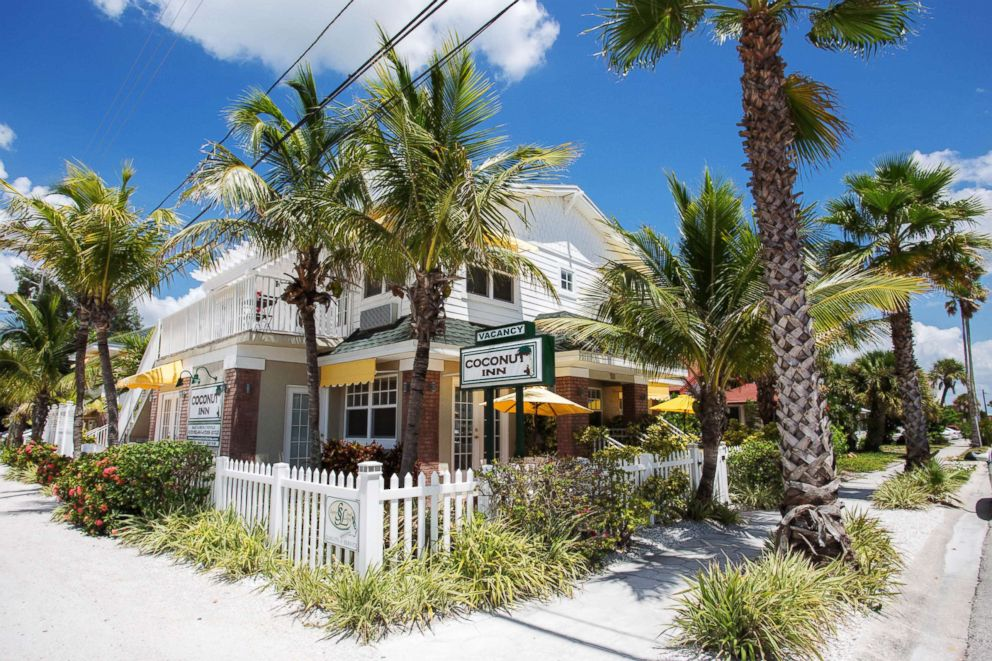 PHOTO: Coconut Inn
