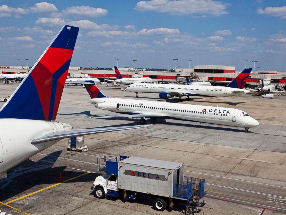 PHOTO: Delta Airlines planes taxi at Hartsfield-Jackson Atlanta International Airport in Atlanta, Sept. 15, 2010.