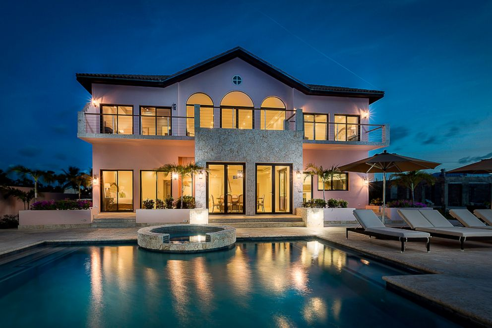 PHOTO: The Villa at Frangipani Beach Resort is the hotel suite of the week.