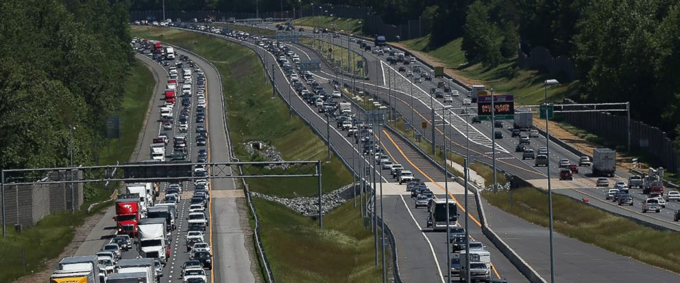 PHOTO: Memorial Day traffic moves southbound and northbound along I-95 May 22, 2015 in Quantico, Virginia.