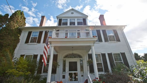 This historic sea captain's home is now a charming, 15-room inn full of indulgent freebies and modern touches. It's in a quiet, residential area of Kennebunkport, within walking distance of the shops and restaurants downtown.