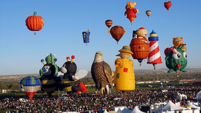 PHOTO: The International Balloon Fiesta takes place in Albuquerque, New Mexico October 6-14, 2012.
