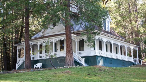 PHOTO: Yosemite National Park: Wawona Hotel