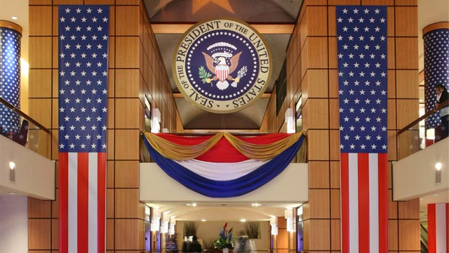 PHOTO: Lobby of JW Marriott