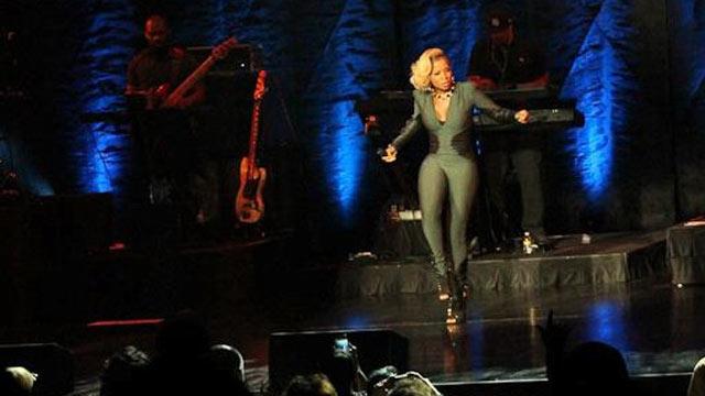 PHOTO: Mary J Blige at Caesars Atlantic City.