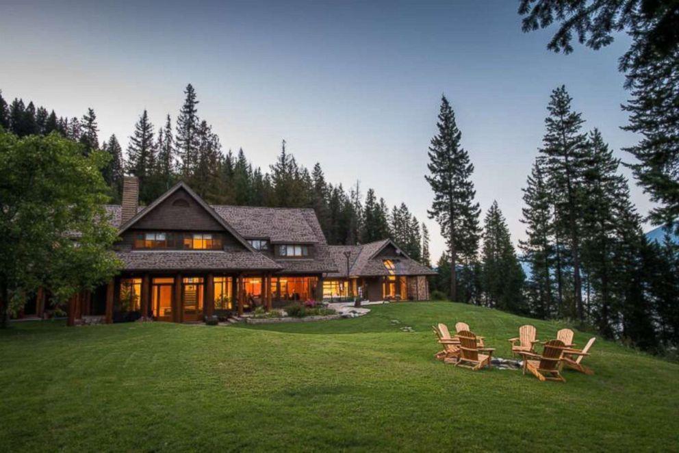 PHOTO: The exterior of Mountain Trek Lodge, British Columbia.