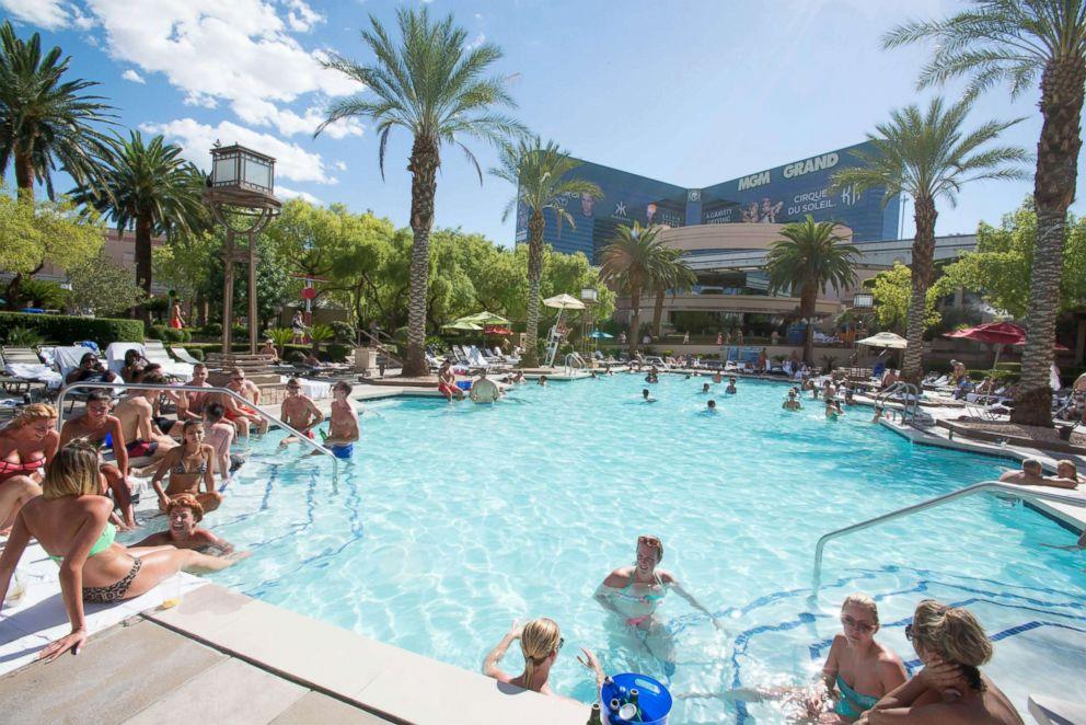 Las Vegas 11 Best Hotel Pools Abc News