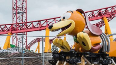 'PHOTO: The Slinky Dog Dash ride arrives1_b@b_1Disney's Hollywood Studios.' from the web at 'https://s.abcnews.com/images/Travel/slinky-dogtoy-story-land-2-ht-thg-180214_2_16x9t_384.jpg'