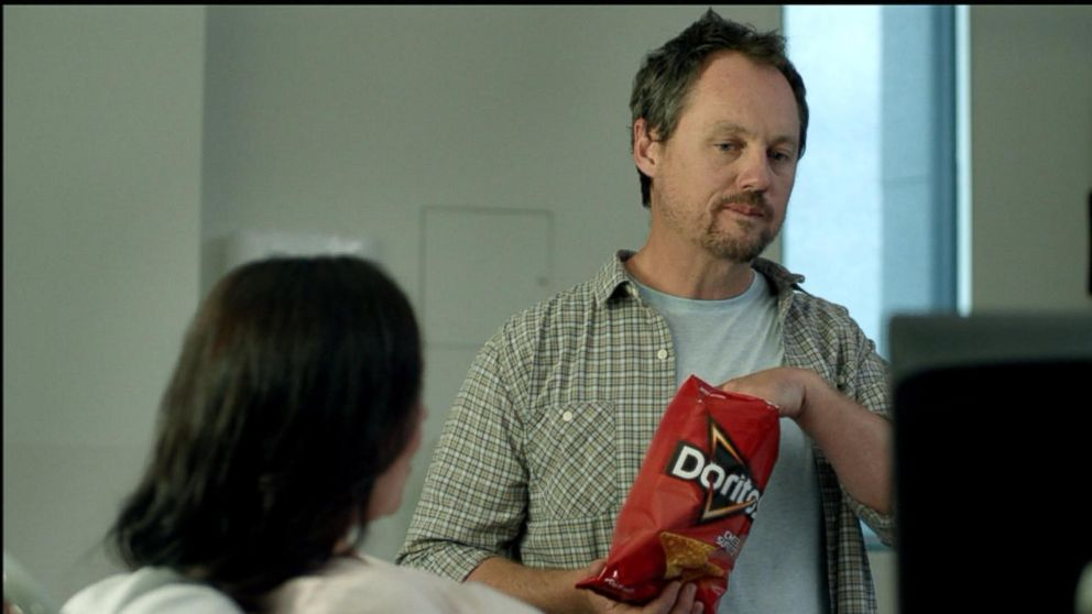 VIDEO: A soon-to-be father brings a bag of chips into the doctor's office in this Super Bowl 50 commercial.