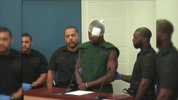 Suspected Orlando Cop Killer Yells Expletives in Court