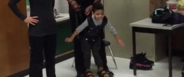VIDEO: 4-Year-Old Takes First Steps Thanks to Strangers Good Deed