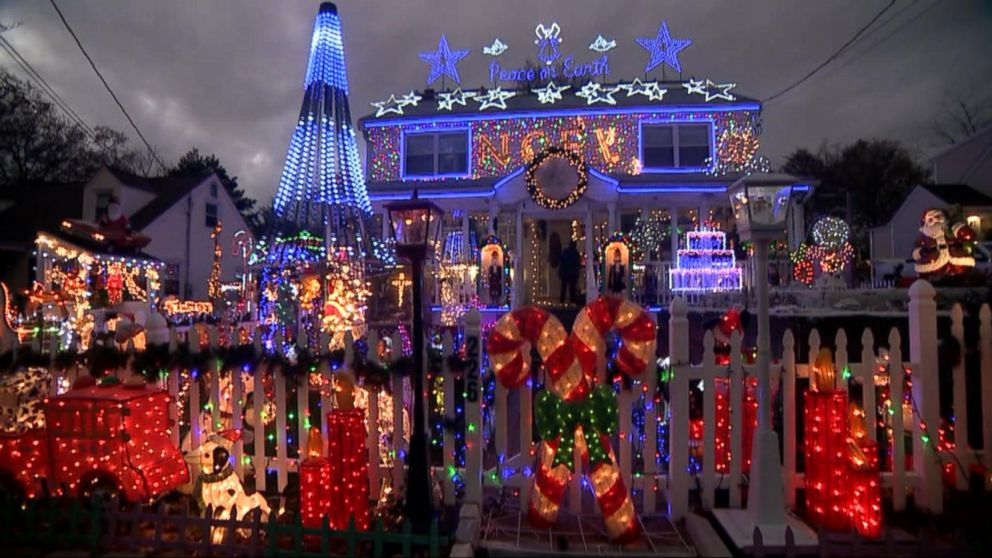 Families with the best Christmas light displays Video - ABC News