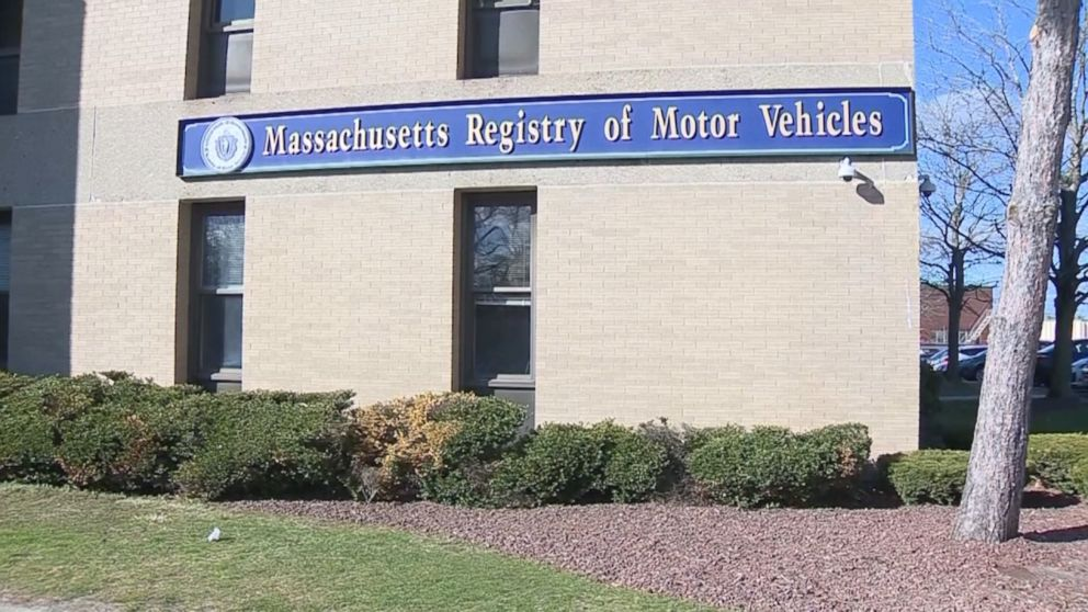 RMV mistakenly tells thousands of drivers their licenses are suspended - ABC News