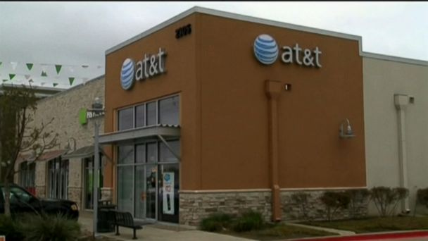 Federal judge approves AT&T's merger with Time Warner