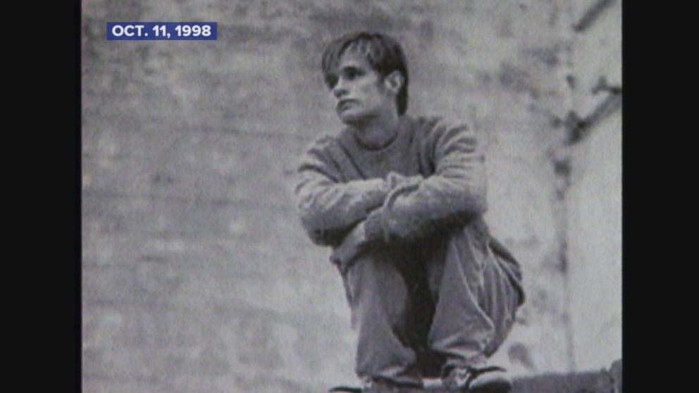 Matthew Shepard killed in hate crime.