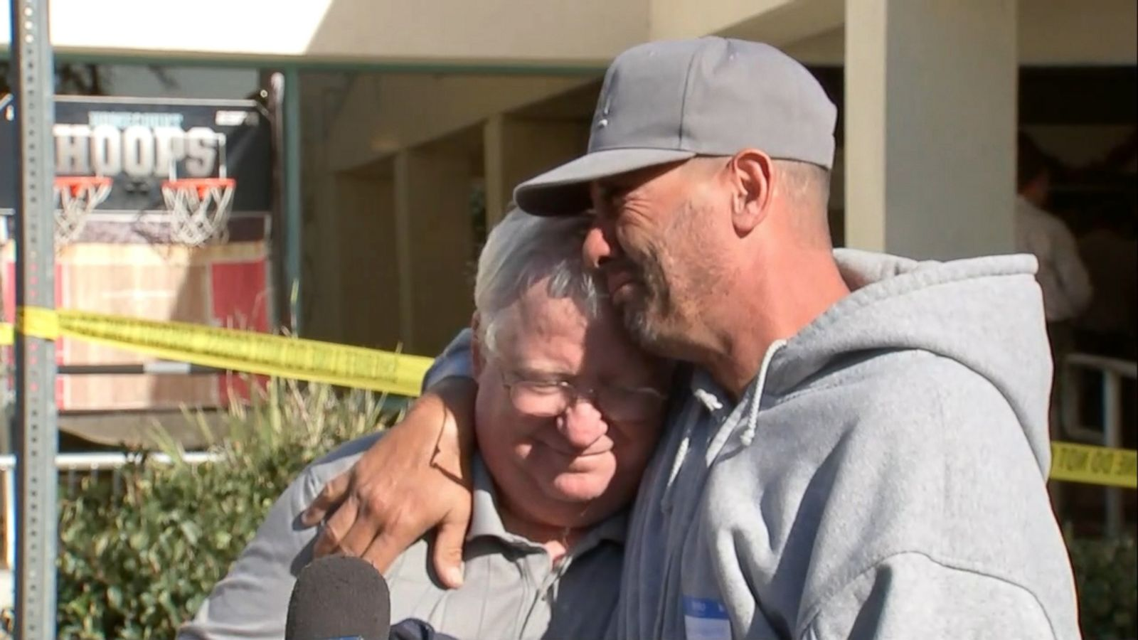 Thousand Oaks Shooting  Dead Including Officer Suspect Identified Abc News