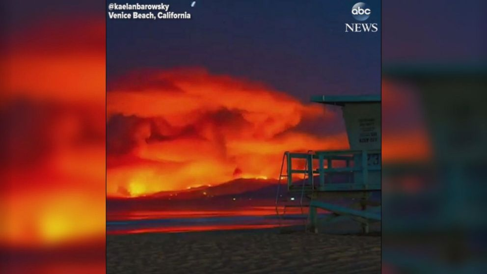 VIDEO: Timelapse footage captures Malibu wildfire as seen from Venice Beach