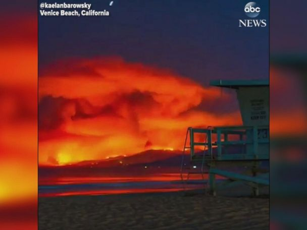 WATCH:  Timelapse footage captures Malibu wildfire as seen from Venice Beach