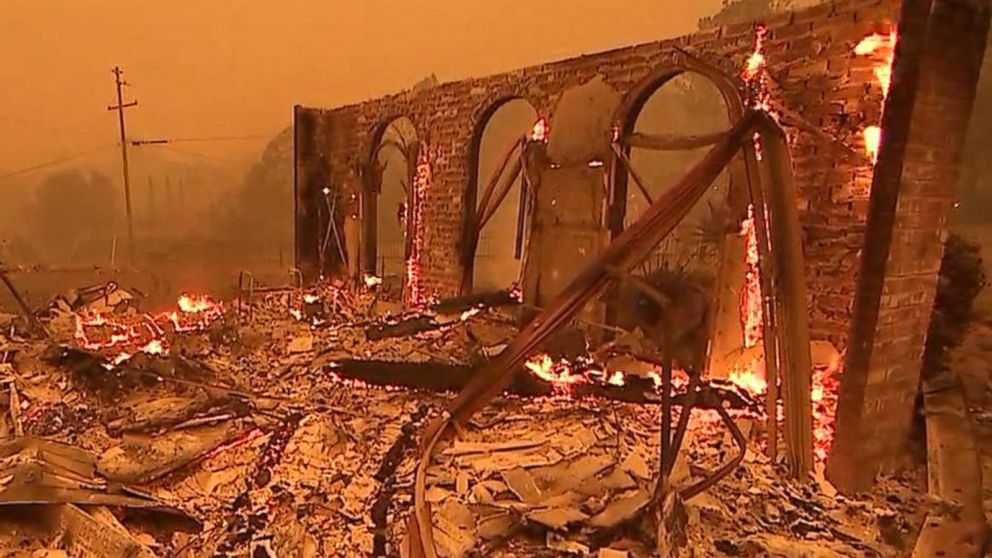 Wildfire destroys Northern California town