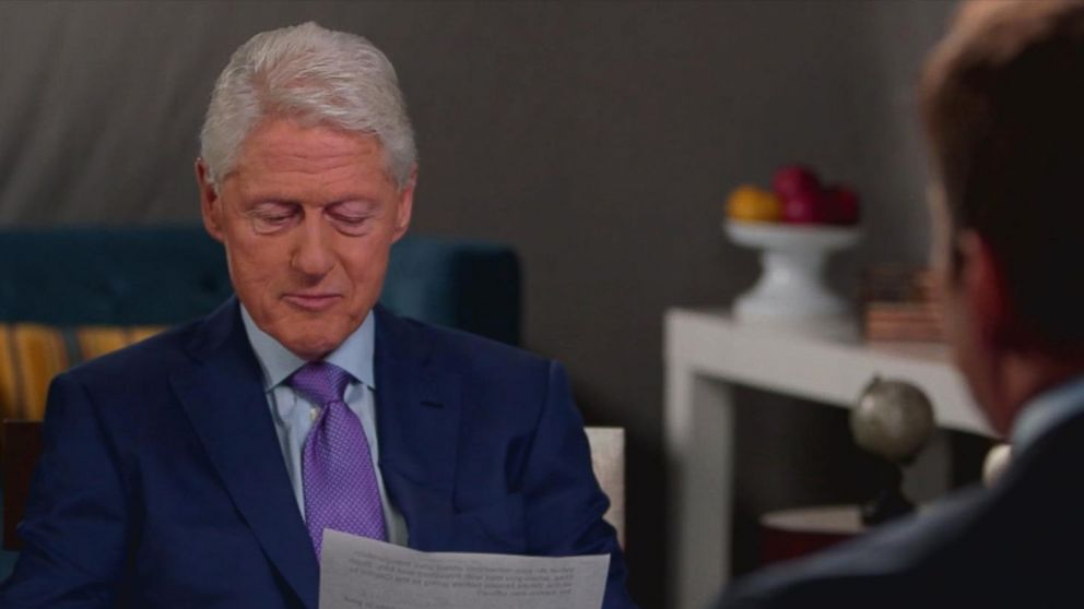 VIDEO: Former President Clinton reads note left by George H.W. Bush: I love that letter
