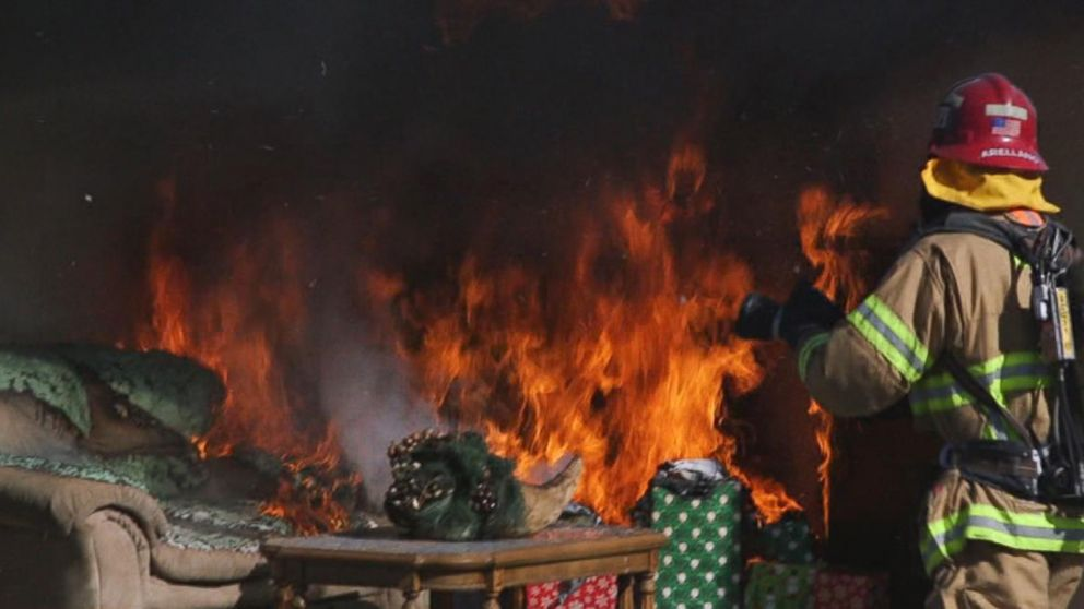 Christmas Tree On Fire.Holiday Nightmare How To Avoid Deadly Christmas Tree Fires