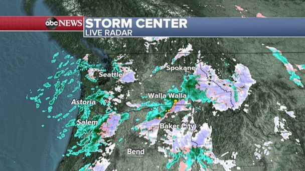 New storm moving east with snow, strong wind and rain