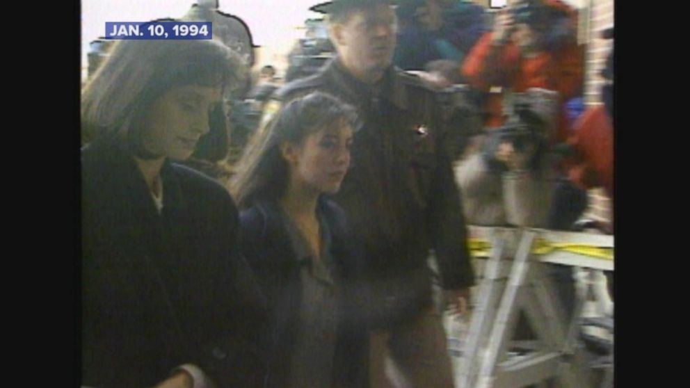 The trial of Lorena Bobbitt, who wounded her husband, begins.
