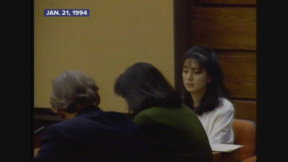 Lorena Bobbitt found not guilty by reason of insanity.
