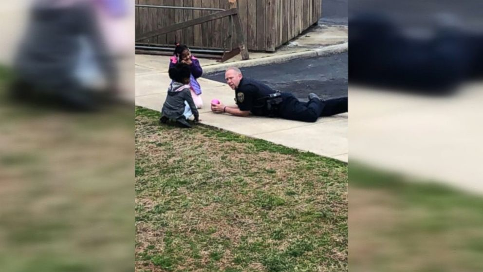 Virginia police officer spotted playing with kids after responding to a call