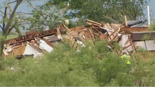 Tornado outbreak hits Kansas, Oklahoma over the weekend