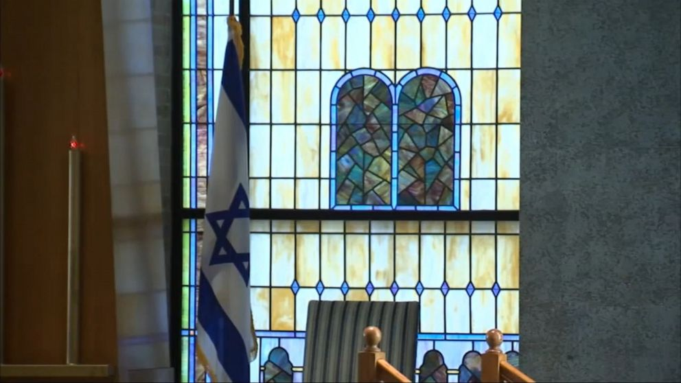 Chicago police investigating possible hate crime after attempted arson at synagogue