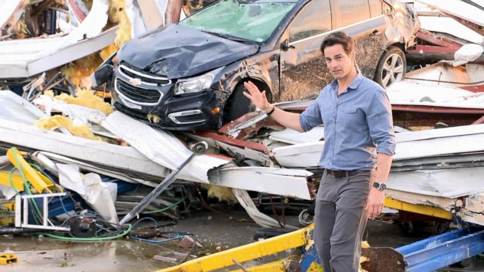 Chevy Dealer Jefferson City Mo >> Surveying Tornado Damage At Mo Car Dealership