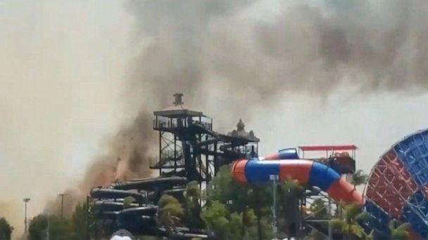 Wildfire forces theme park evacuation
