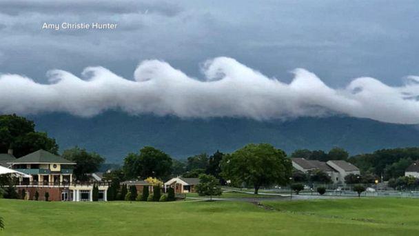 Rare wave-shaped clouds hover over VA skyline