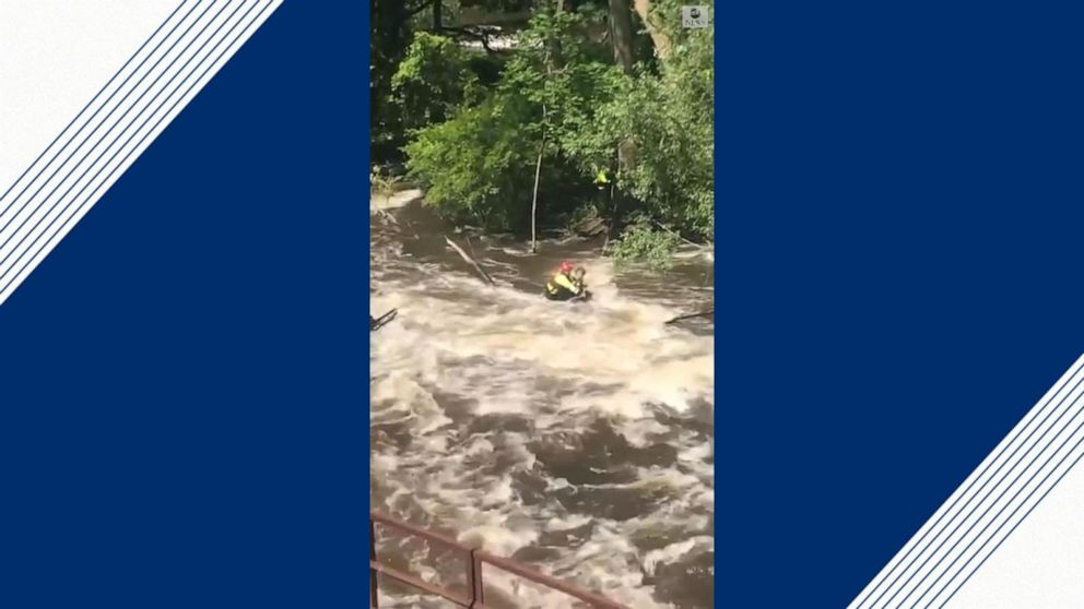 First responders rescue kayakers from rushing river in Ohio