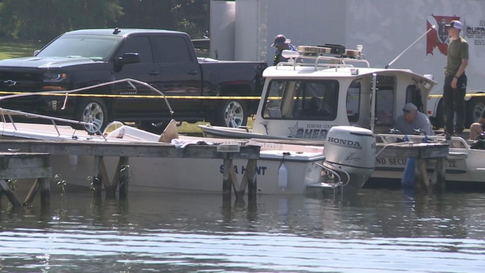 12-year-old girl dead, others missing from boat crashes on 2