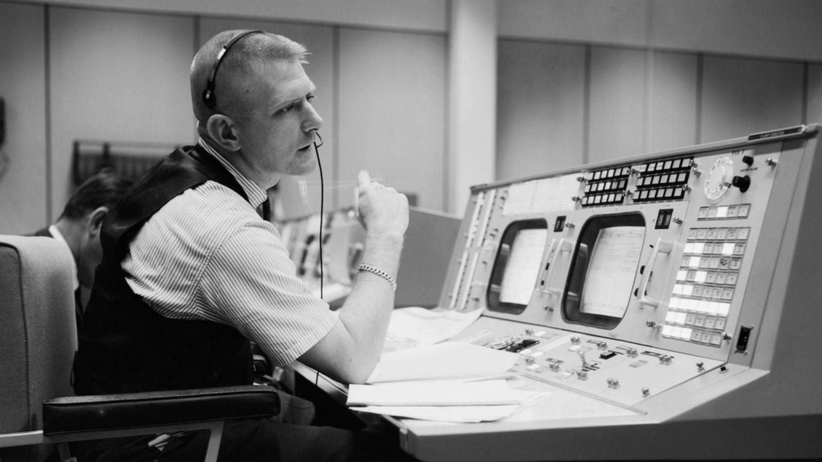 50 Years Later: Apollo 11 flight director recalls final moments before moon landing