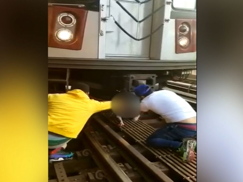 Man Jumps in Front of Subway Train With Daughter, 5