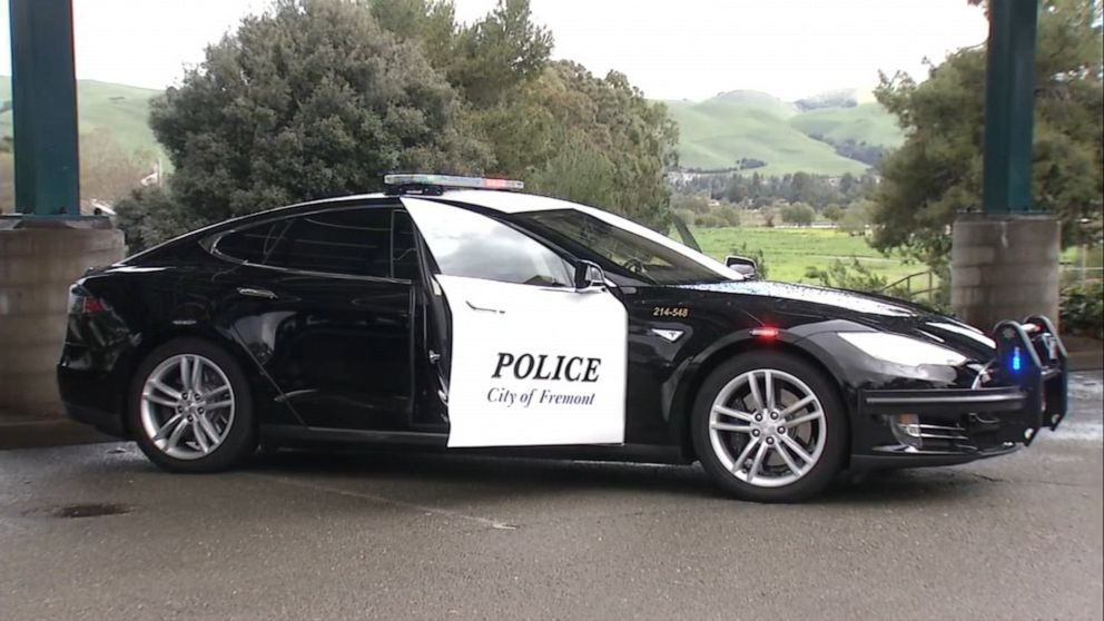 Tesla police vehicle ran out of power during a car chase in California