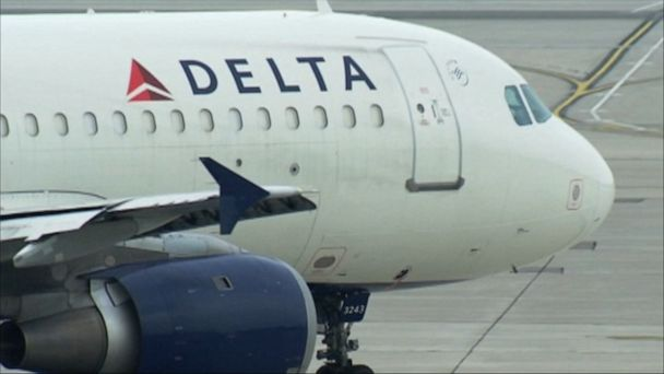 Delta baggage handler arrested for alleged $250,000 theft