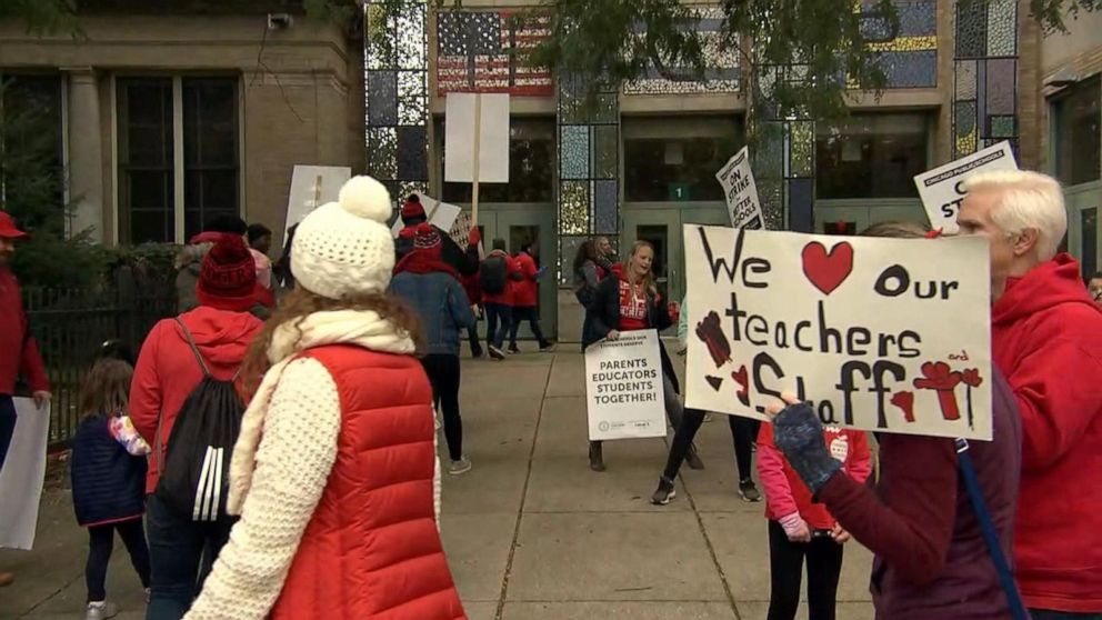 On 2nd day of Chicago teachers strike, union says progress is being made but it's 'very inadequate'