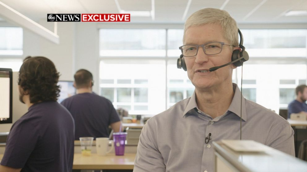 Apple Ceo Speaks With Customer At Call Center Video Abc News