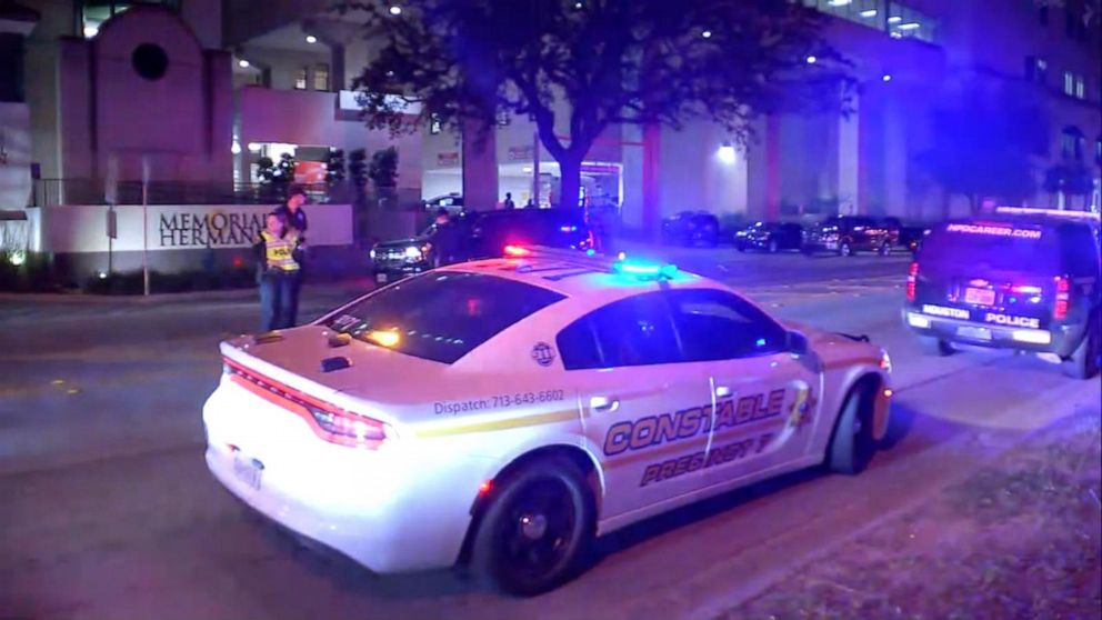 Houston police sergeant fatally shot responding to domestic violence call