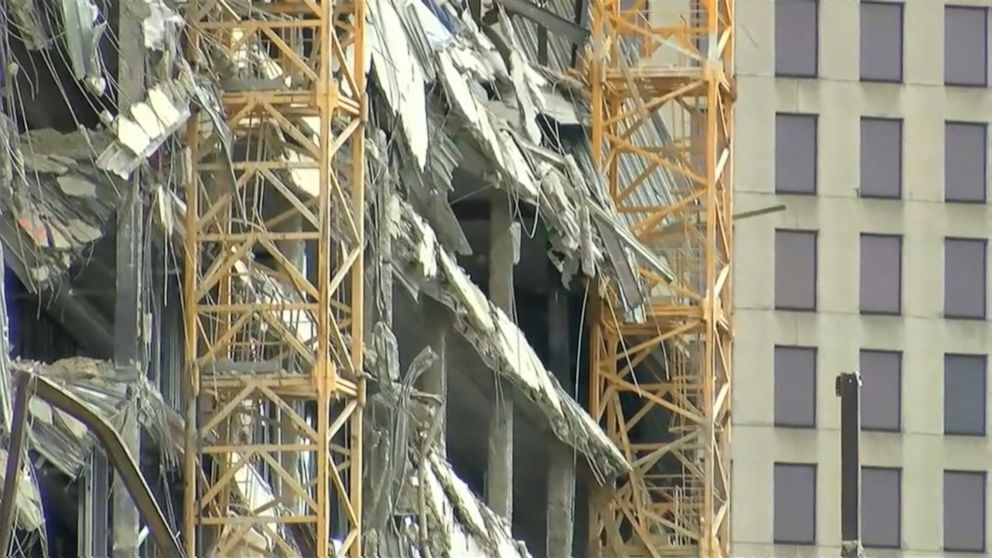 Fire at collapsed Hard Rock Hotel site in New Orleans thumbnail