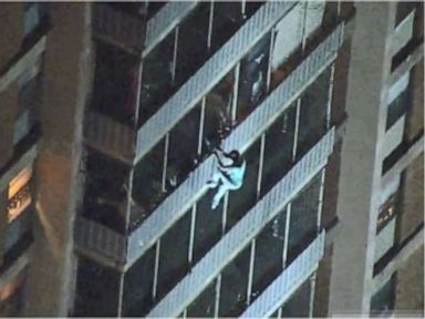 Man scales outside of 19-floor apartment building to escape fire in Philadelphia